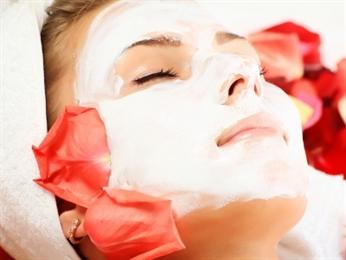 jakie kosmetyki wybrać do maseczki na twarz