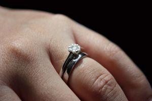 pierścionki zaręczynowe - jak wybrać?